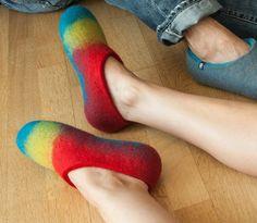 Χαλαρώνουμε με τα Wooppers! Σήμερα διαλέξαμε χρώμα! Εσείς; Heeled Mules, Slippers, Heels, Fashion, Sneaker, Moda, La Mode, Shoes High Heels, Fasion