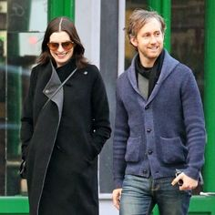 Anne Hathaway Pokes Fun at Her 2000s Style, Stylist Help Included ...