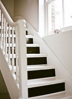 Lisa-Levis-nee-Stickley-stairs.jpeg 586×800 pixels