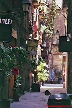 Spent the day shopping in El Born, where each winding street led to a new discovery; it's a warren of local designer boutiques and shoe and jewellery stores.