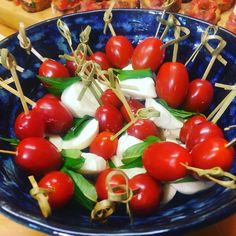 A little touch of summer in a bowl with mozzarella and tomatoes and fresh Vietnamese mint from my garden Delicious Fruit, Delicious Vegan Recipes, Healthy Recipes, Healthy Food, Vegan Breakfast Recipes, Snack Recipes, Cooking Recipes, Dairy Free Recipes, Vegetable Recipes