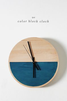 Wanduhr selber machen l diy color block clock / almost makes perfect Diy Projects To Try, Wood Projects, Bois Diy, Diy Inspiration, Diy Clock, Clock Wall, Clock Craft, Clock Ideas, Wall Art