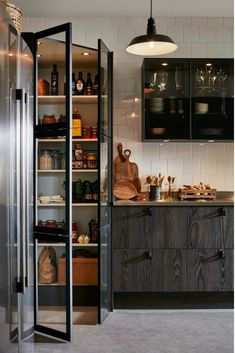 Home Interior Warm Kitchen Pantry Design, Interior Design Kitchen, New Kitchen, Kitchen Decor, Loft Kitchen, Kitchen Walls, Kitchen Cabinets, Style Salon, Sweet Home
