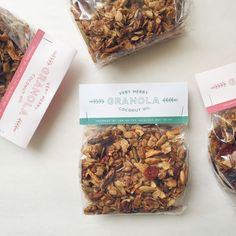 very merry granola (Baking Gifts Packaging) Spices Packaging, Bakery Packaging, Cookie Packaging, Tea Packaging, Food Packaging Design, Beverage Packaging, Packaging Design Inspiration, Brand Packaging, Restaurant Menu Design