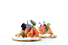 The holiday season is starting to heat up and one of the best ways to kick off the festivities is with a terrific savory appetizer, like our Tostadita de Salmon. One bite into it and you're palate is immediately tantalized by the rich smoked salmon, luxurious cream cheese and fresh-made mini tostada chips.  #tacocatering #ocfoodies #lafoodies