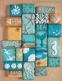 Beach Decor Images Romantic Cottage On The Beach Do you desire to escape to the seaside? These 10 Coastal Cookies will carry you away to beach for a deliciously artistic summer escape! Coastal Cookie Collage via Sugar Pearls Cakes & Bakes. Seashell Crafts, Beach Crafts, Diy And Crafts, Arts And Crafts, Beach Themed Crafts, Deco Marine, Beach Bathrooms, Beach Signs, Shell Art