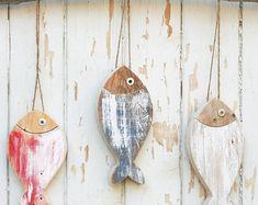 Lake Decor, Coastal Decor, Fish Art, 3 Fish, Driftwood Crafts, Driftwood Fish, Fish Crafts, Ceramic Coasters, Colorful Fish