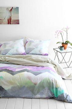 Schlafzimmer Gestalten, Schlafzimmer Inspiration, Kissen, Schlafzimmerdeko,  Magisches Schlafzimmer, Chevron Bettdecken,