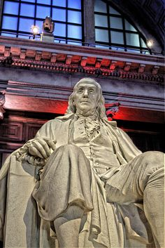 Ben Franklin Memorial Statue by The Franklin Institute Science Museum, via Flickr (Darryl Moran)