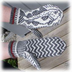 Muffins Verden: Skrei på deg! Knitted Mittens Pattern, Knit Mittens, Knitted Gloves, Fair Isle Knitting, Free Knitting, Baby Knitting, Knitting Machine Patterns, Fingerless Mittens, Wrist Warmers