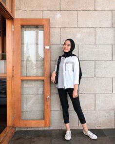Casual Hijab Outfit, Ootd Hijab, Girl Hijab, Casual Outfits, Hijab Fashion Inspiration, Style Inspiration, Girl Fashion, Fashion Outfits, Muslim Fashion