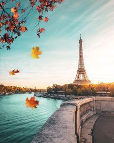 """If the Trip Eiffel is the symbol of Paris, the Cathédrale de Notre-Dame de Paris is its heart. Sitting on the banks of the Seine, this magnificent architectural work of art is a definite """"must-see"""". Tour Eiffel, Paris Torre Eiffel, Paris Eiffel Tower, Beautiful Paris, Paris Love, Paris France, Hello France, Paris Wallpaper, Paris Pictures"""