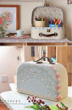 Muito fofa essa maleta feita com papelão e tecido. O PAP é somente em imagens. Mas dá para entender e fazer.   Faça a sua e publique no Fa...