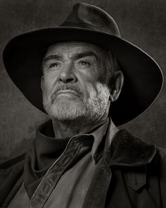 Sean Connery photographed by Albert Watson (2003).