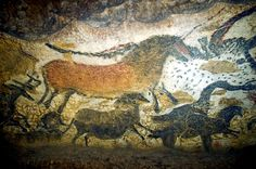 The Lascaux caves are caves that hold the most famous art in South-West France- cave paintings. It is famous for it's paleolithic cave paintings. The caves are located near Montignac Ancient Art, Ancient History, Art History, Lascaux Cave Paintings, Art Pariétal, Art Rupestre, Cave Drawings, Art Antique, Art Sculpture