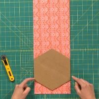 How to make a hexagon quilt in Learn to Quilt: Colorful Bed Quilt
