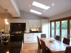 house rear kitchen extension - This is gorgeous, definitely my style Kitchen Diner Extension, Open Plan Kitchen, New Kitchen, Kitchen Decor, Kitchen Ideas, Country Kitchen, Kitchen Family Rooms, Living Room Kitchen, Extension Veranda