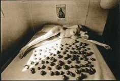 Leslie Robert  Krims (dit Les Krims) Ripening Tomatoes & Nude, 1969