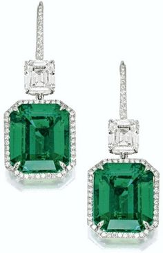 Step-cut emerald and diamond pendant earrings I Love Jewelry, Fine Jewelry, Jewelry Design, Sapphire Earrings, Emerald Jewelry, Ring Verlobung, Solitaire Ring, Pendant Earrings, Drop Earrings