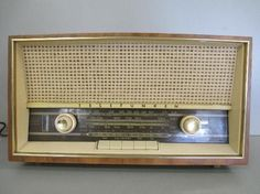 SOLD! SOLD! SOLD!''''''''''''''''Telefunken Superheterodyne Jubilate 5261W Radio (Parts / Repair ) EBAY GIVING WORKS ITEM!