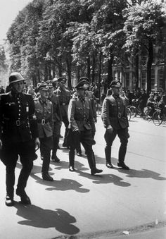 Kryn Taconis HOLLAND. Amsterdam. May 8th, 1945. German prisoners.