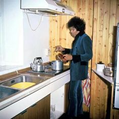 Jimi Hendrix in an apartment he was subleasing from Ringo Star, 1966. He wrote 'The Wind Cries Mary' here. http://t.co/QsQSfQGzRm