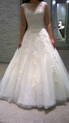¡Nuevo vestido publicado!  Novias de España - T2-4 ¡por sólo $9000! ¡Ahorra un 42%!   http://www.weddalia.com/mx/tienda-vender-vestido-de-novia/novias-de-espana-t2-4/ #VestidosDeNovia vía www.weddalia.com/mx