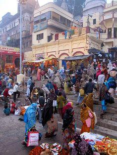 Busy Ghat, Varanasi, Uttar Pradesh, INDIA.  (by Bencito the Traveller, via Flickr)