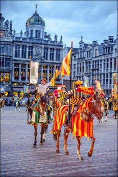 The Ommegang is the largest & one of the oldest Brussels folklore shows! #seemybrussels