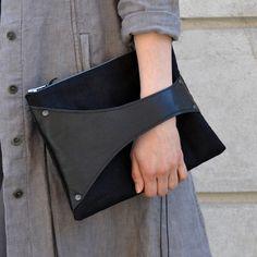 Leather Detail -olkalaukku, musta nahkatausta