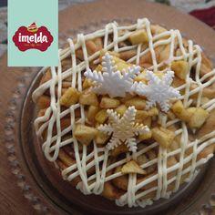 Torta de rollos de canela, frosting de queso crema y manzanas encaneladas #snowrolls #imelda  #creaalgounico  www.imelda.pe