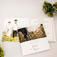 6つ折タイプ席次表 ファミリーツリBOOKフォトタイプ | ブライダル | ■【席次表】 | 席札、席次表、ウェディングツリーや出産祝いに適したアイテムを取り揃えております Wedding Book, Wedding Paper, Wedding Cards, Invitation Cards, Wedding Invitations, Thanks Card, Album Design, Photo Book, Wedding Designs