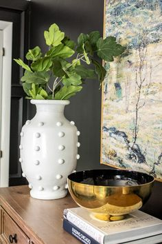 30 Home Decor Items You Should Always Buy While Thrift Shopping Home Decor Items, Diy Home Decor, Room Decor, Painting Shower, Large Scale Art, Shower Fixtures, Painted Vases, Spray Paint Vases, Outdoor Light Fixtures