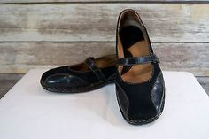 BORN Black nubuck Leather slip on Mary Jane flats shoes WOMENS Size 11M