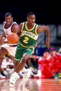 Gary Payton of the Seattle Supersonics dribbles the ball up court against the Washington Bullets during an NBA basketball game circa 1991 at the... Get the best tips on how to increase your vertical jump here: