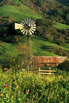 An old barn and a windmill. The windmill doesn't look as old as the barn, probably still in use, or just better kept. Country Barns, Country Life, Country Roads, Country Living, Old Windmills, Country Scenes, Farms Living, Old Farm, Le Moulin