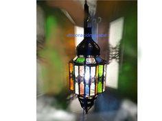 Puede elegir la opción con instalación eléctrica: 6,5€.  Puede comprar facilmente y de manera segura online, en 24 joras puede tener su lámpara en su domicilio por MRW.