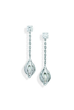 White Gold, diamonds and pearls Bourgeon Earrings by Mellerio dits Meller #MellerioinLove #valentinesday #Vdaygiftguide #giftguide #jewellery