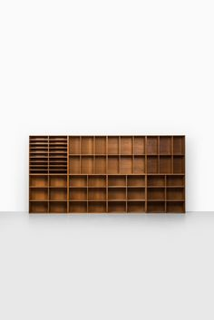 Set of 8 bookcases designed by Mogens Koch Produced by Rud Rasmussen in Denmark Oak Excellent vintage condition, with signs of usage and nice patina 1933 Mid century, Scandinavian Dimensions each (W x D x H): 76 x x 76 cm Price: 10000 € Item no: 98487