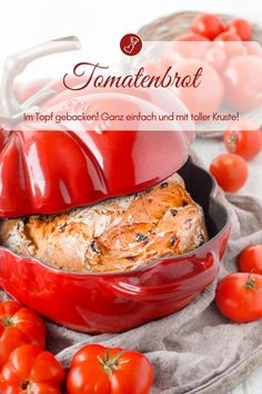 Bread recipes, tomato recipes: Recipe for a tomato bread from the pot by herzelieb. In the cocotte all bread are particularly juicy and they get a great crust. Cocotte Recipe, Oregano Recipes, Salted Caramel Cake, Tomato Bread, Low Carb Burger, Wrap Sandwiches, World Recipes, International Recipes, Bread Baking