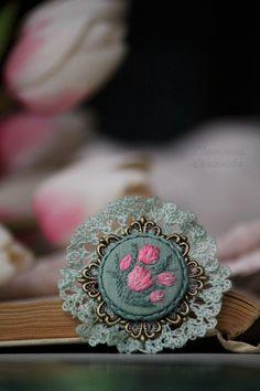 Купить Брошь Ранние тюльпаны - розовый, кружевной, винтаж, винтажный, старинный, винтажное украшение