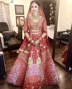 Bridal lehenga pink saree Ideas for 2019 Designer Bridal Lehenga, Wedding Lehenga Designs, Wedding Lehnga, Indian Bridal Lehenga, Red Lehenga, Pink Saree, Pink Bridal Lehenga, Bollywood Lehenga, Indian Bridal Photos