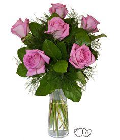 Ramo de Rosas Rosa Fuerte *Solamente tú* Este ramo de 6 rosas de color rosa es el detalle perfecto pensado para ella. También es un arreglofloral ideal para un amor que está creciendo.