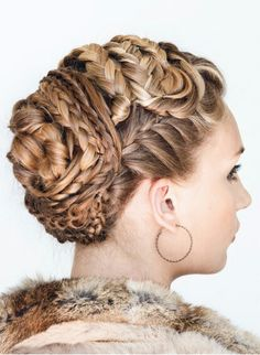 Married Viking women would not wear their hair loose; free hair in girls was a sign of a maiden; long hair symbolized freedom while slaves/thralls kept short (Viking Braided Updo by Annette Collins) Short Hair Styles Easy, Short Hair Updo, My Hairstyle, Pretty Hairstyles, Makeup Hairstyle, Braid Hair, Hairstyle Ideas, Braided Updo, Braided Hairstyles