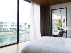 Chambre au design épuré et minimaliste