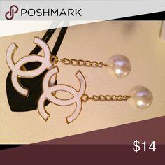 Earring CC earring is very popular now. It's very cute when you wearing it. Get it now for a good deal. Jewelry Earrings
