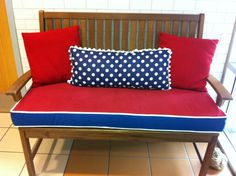 Find out and certainly apply best custom bench cushions ideas for indoor and outdoor! They are awesome to make better spaces of accommodation Indoor Bench Cushions, Patio Furniture Cushions, Seat Cushions, Custom Cushions, Handmade Cushions, Replacement Cushions, Dining Bench, Interior, Photos
