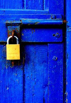 Blauwe deur   Blue door