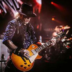 Brad Whitford, i met him when i was 18 ; Aerosmith, Brad Whitford, Joe Perry, Steven Tyler, Rockn Roll, Instruments, Guitar, Music, Bass