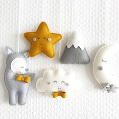 Felt Crafts Diy, Baby Crafts, Handmade Baby, Handmade Toys, Diy Baby, Baby Mobile, Baby Sewing Projects, Felt Baby, Sewing Toys